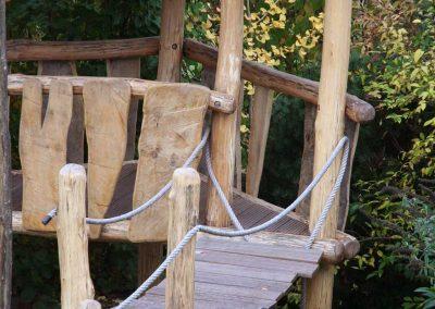 Hängebrücke aus Robinien-Holz